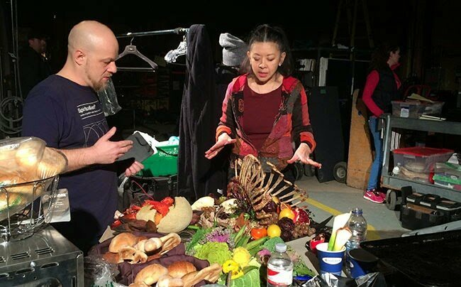 Poon arranges a bloody feast onset.