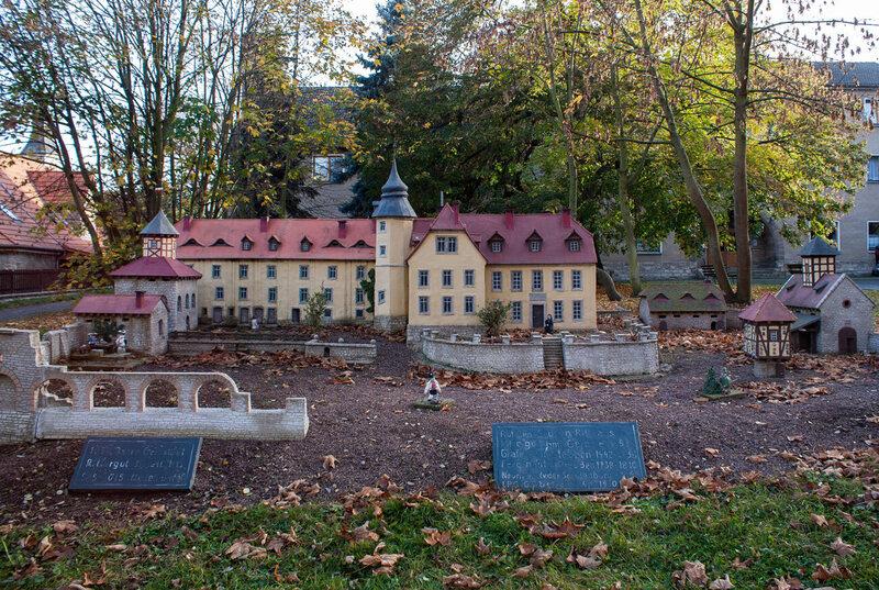 Dieses Modell des Gerbstad-Herrenhauses befindet sich in einer Ecke der ursprünglichen Ruinen, die einst Friedrich Wilhelm I. von Preußen gehörten.