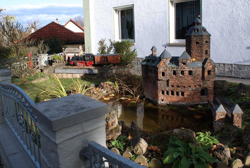 Der ursprüngliche Burke Fallsgrafenstein oder Falls Castle steht auf einer kleinen Insel im Rhein in der Nähe der Stadt Kubb in Westdeutschland und war eine Festung.