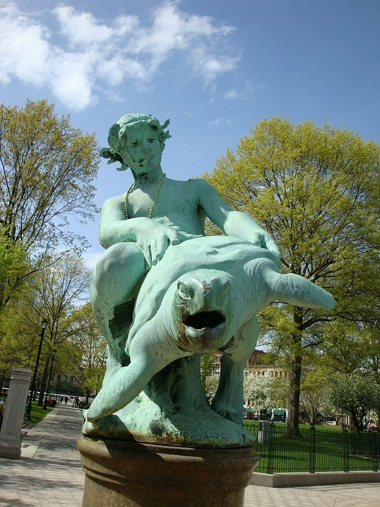 article-image  The World's Most Hated&Loved Statues image