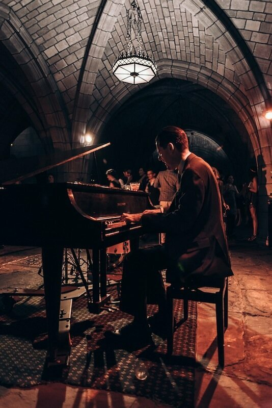 The extremely talented Jesse Gelber shows us how it's done on the baby grand piano in the harlem church of the intercession