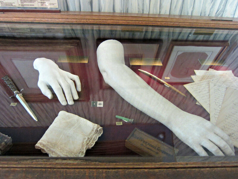 hopin's hand (at left) in the Musée de la Vie Romantique in Paris