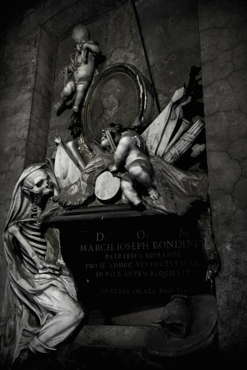 Sant'Onofrio, tomb of Marquis Joseph Rondinin (photograph by Elizabeth Harper)