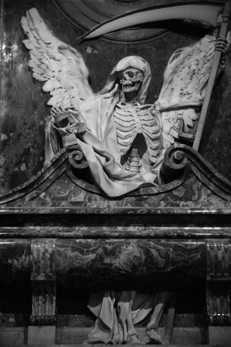 San Pietro in Vincoli, memorial  to Cardinal Cinzio Aldobrandini by Carlo Bizzaccheri, died 1610 (photograph by Elizabeth Harper)