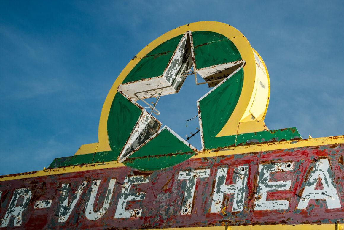 vue de la faaade ouest de. Star-Vue Drive-In, Anthony, Kansas. Vue De La Faaade Ouest