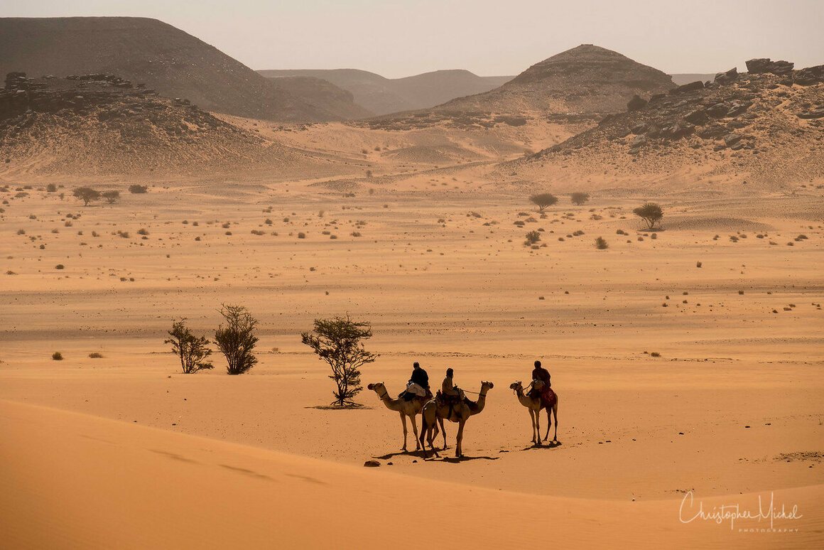 The endless Sudanese desert near the pyramid field of Meroë.