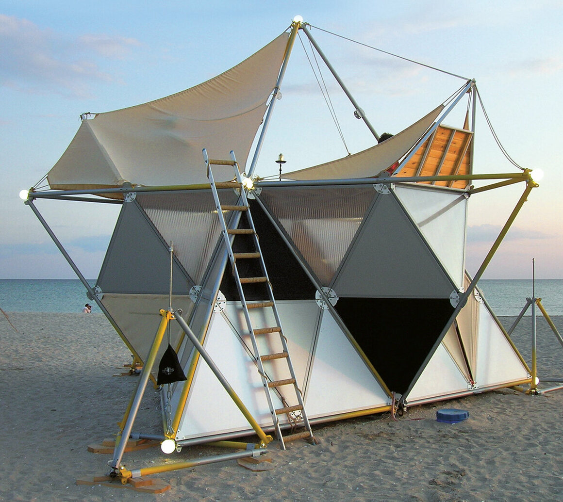 The star-shaped Y-BIO tent contains fabric slings that can be modified to alter the tent's size. (Archinoma, Ukraine, 2009).