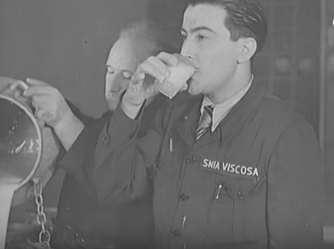 Lanital production at SNIA Viscosa, captured by Pathé News
