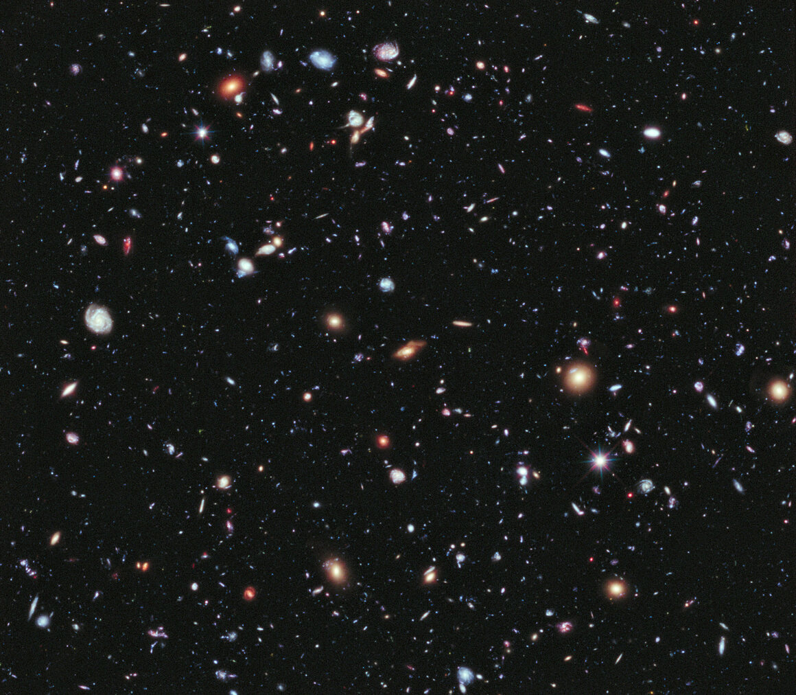 The Hubble eXtreme Deep Field image shows just how many galaxies are out there (in a near-empty patch of sky). None are as old as G09 83808.