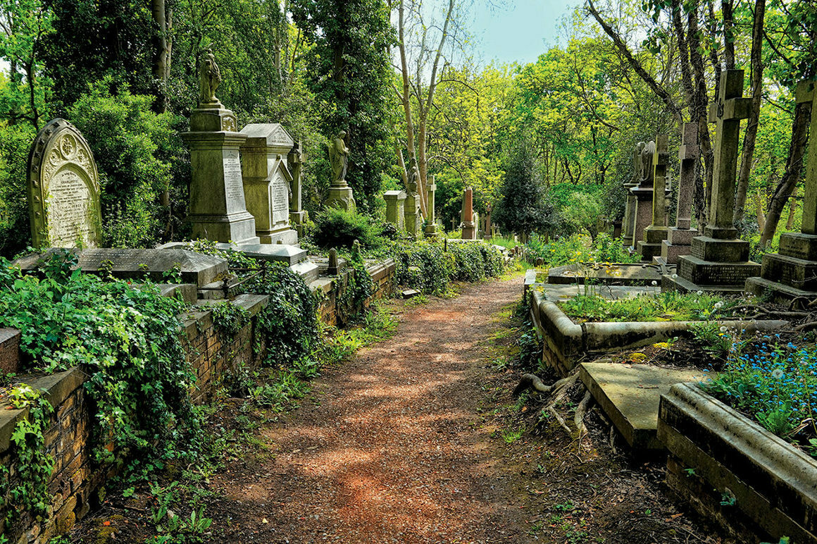 From <em>199 Cemeteries to See Before You Die</em>.