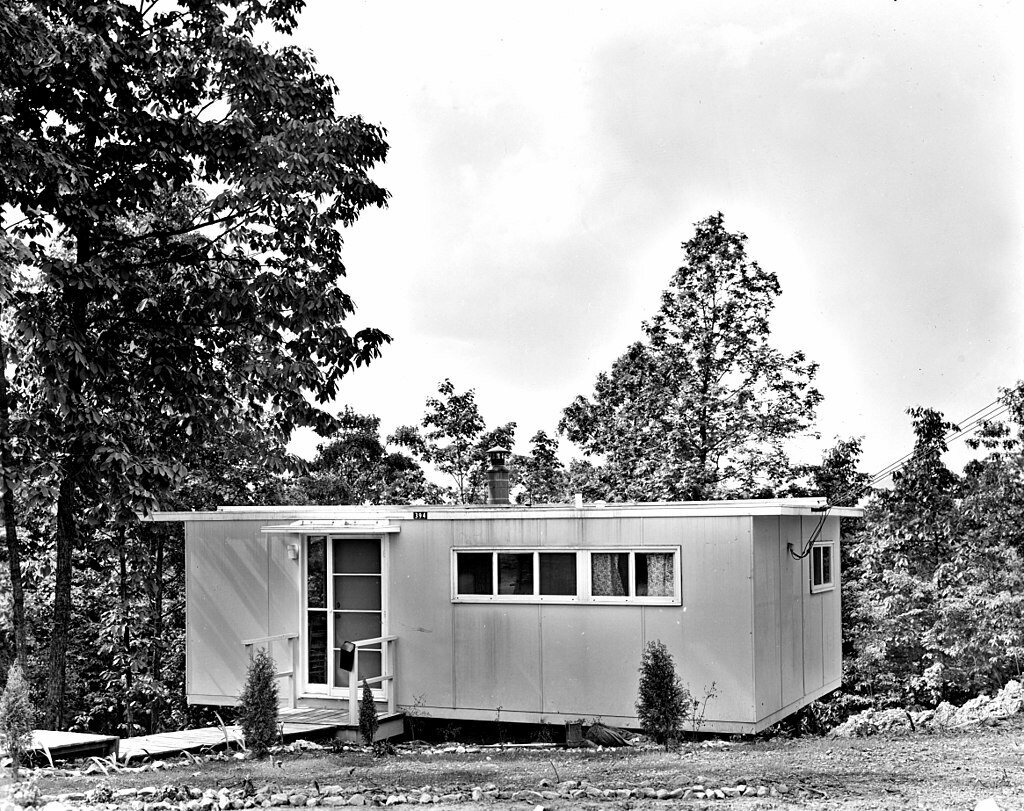 """A type """"H"""" house, photographed in the 1940s."""