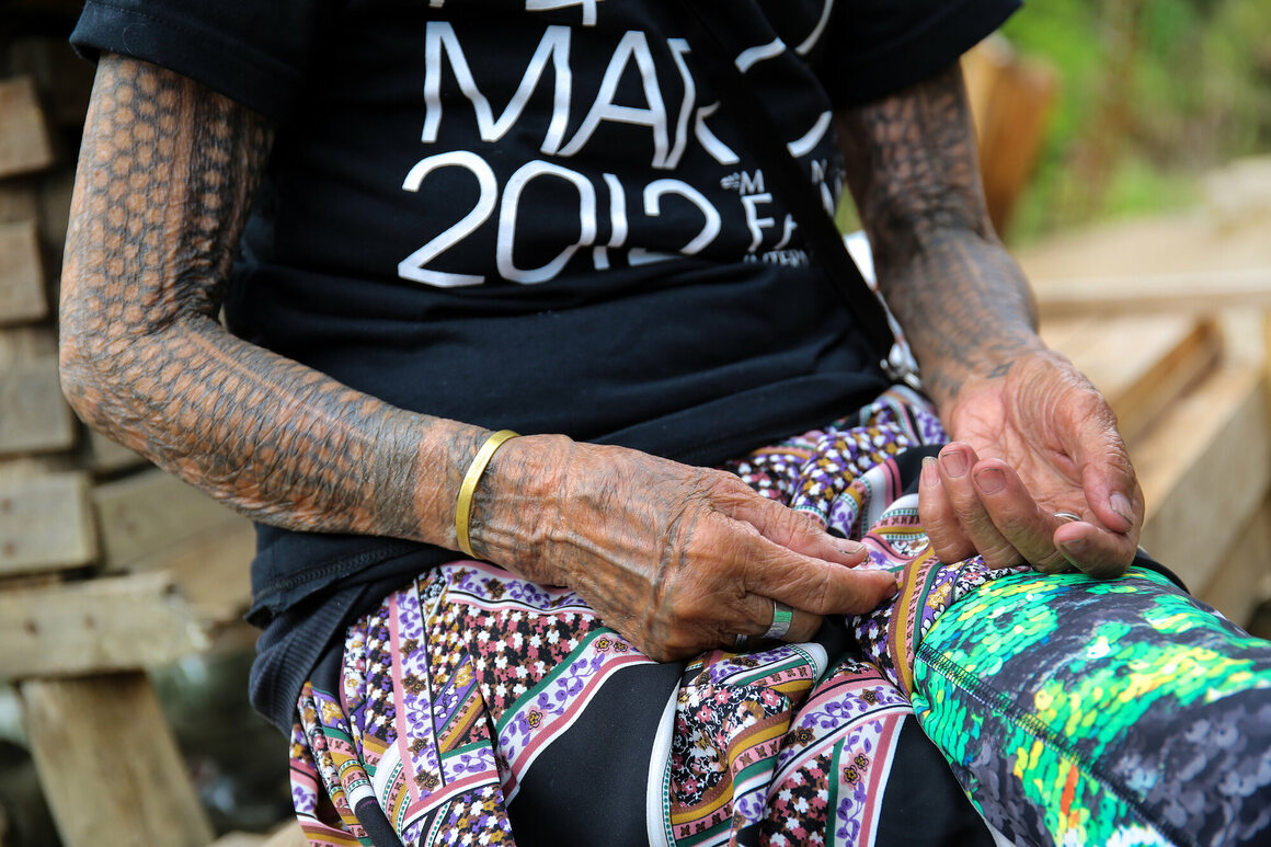 A 101 Year Old Tattoo Artist Is Teaching Girls To Ink For