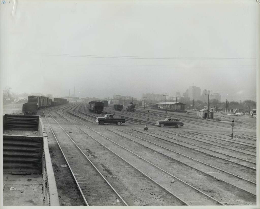 CHICAGO RAILROAD STRIKE ROUND-HOUSE SWITCHMEN POLICE HEADQUARTERS BOXCARS TRAIN