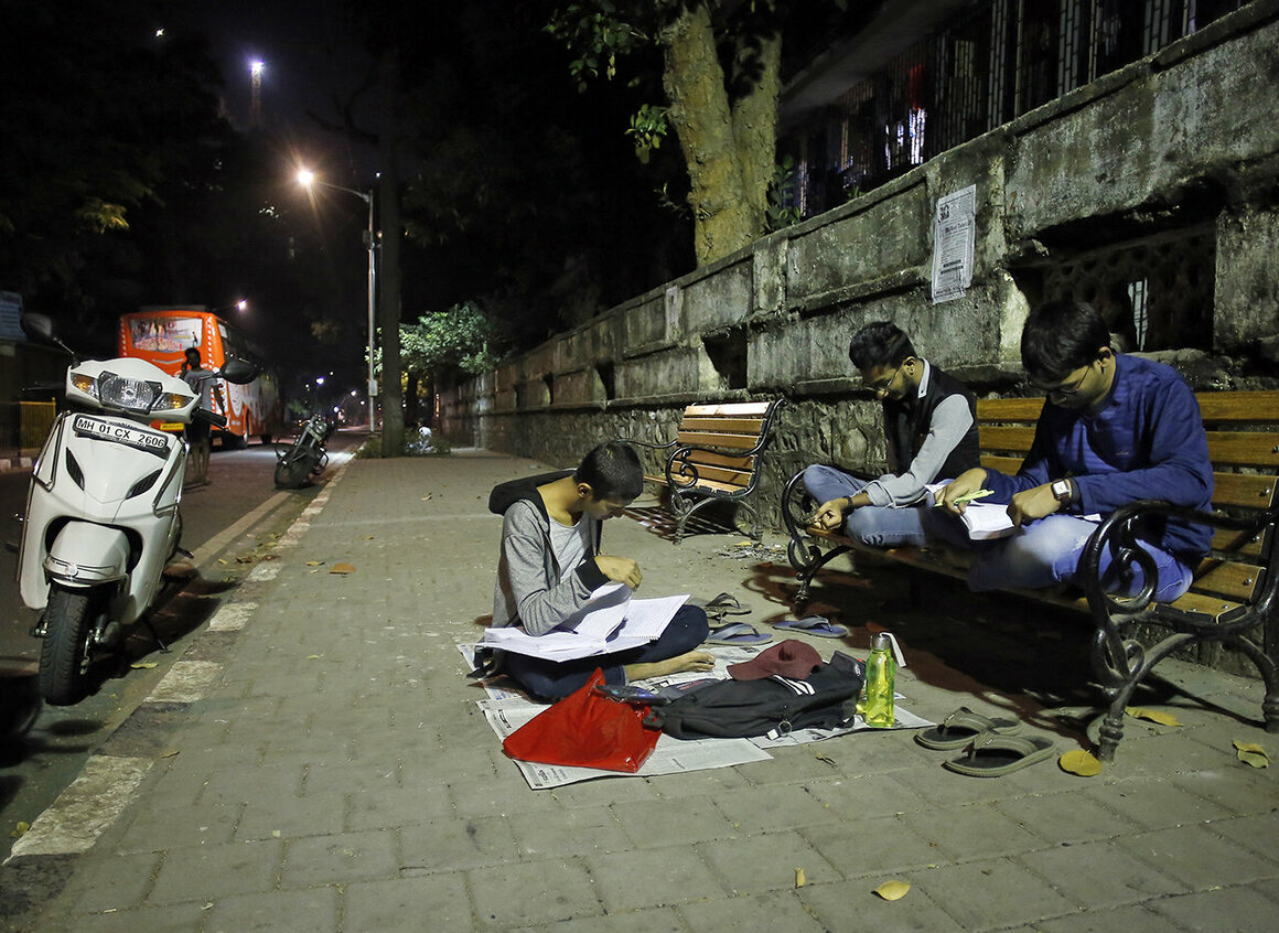 At study corners like Abhyas Galli, facilities are rudimentary—or nonexistent.
