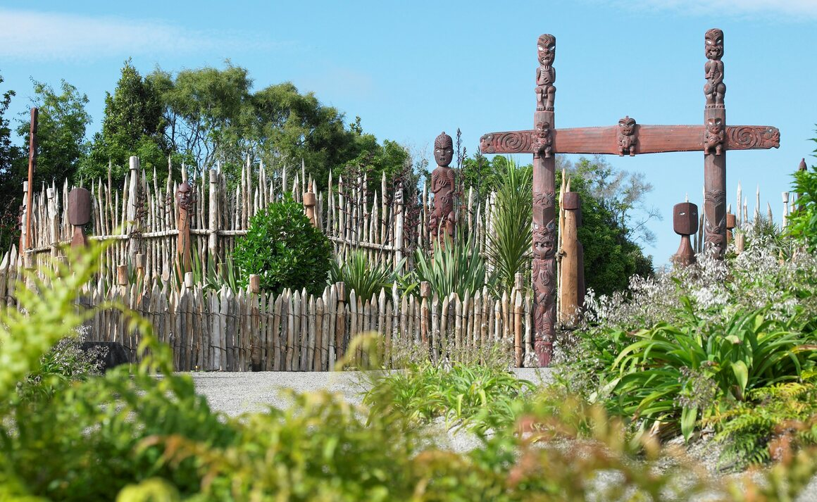 Wiremu Puke trained as a carver, and led the design of many of the garden's features.