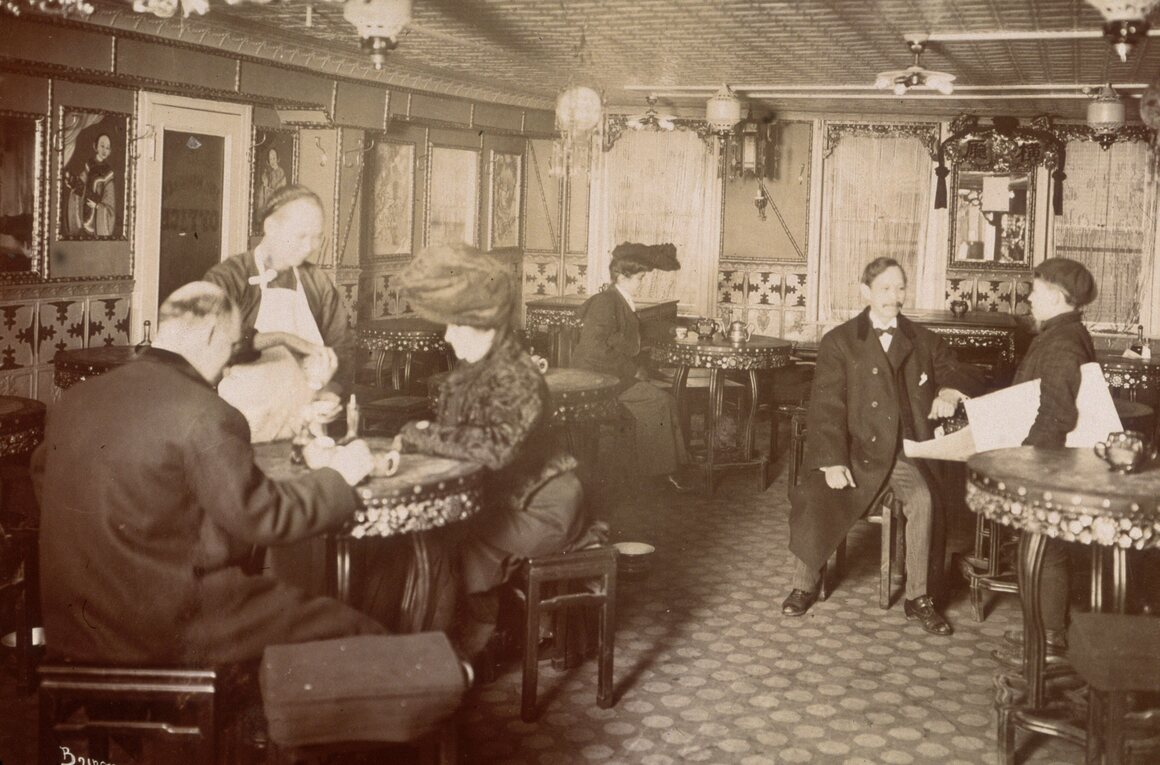 The Chinese restaurant at 24 Pell Street in New York's Chinatown shows how Chinese dining was a formal affair in 1905.