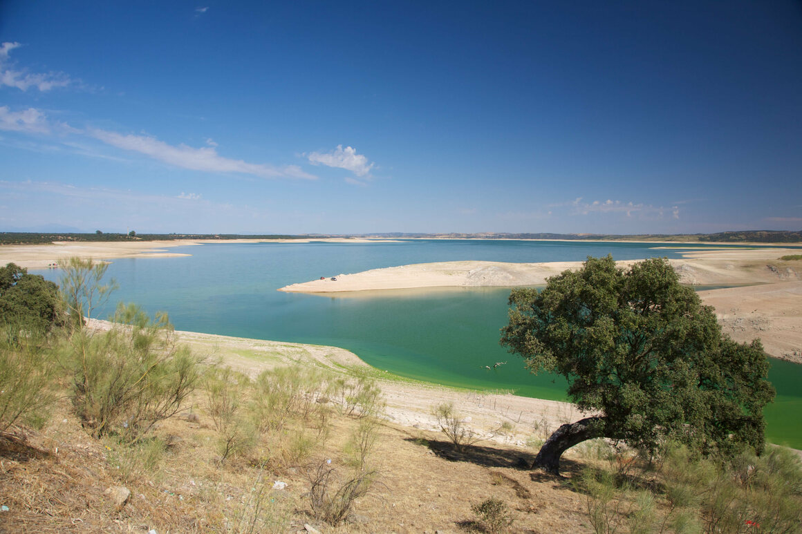 Extremadura, where the Valdecañas Reservoir is located, is a dry region, grown even drier.