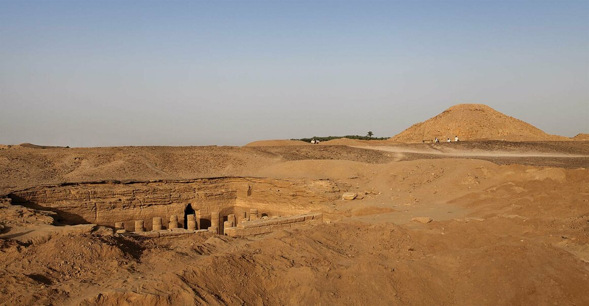 The funerary temple and the largest pyramid at El-Kurru.