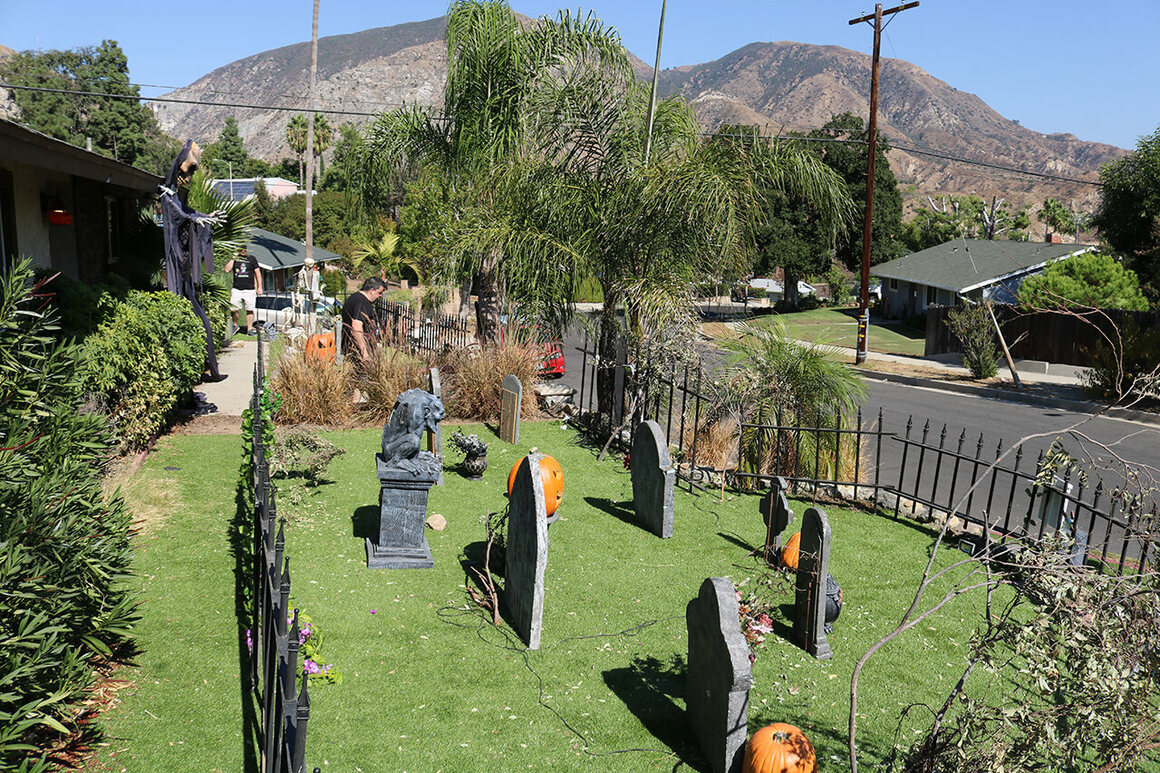 The homes of the San Fernando Valley seem to blend into each other, until visitors come upon Gothic Hill Cemetery's corner property.