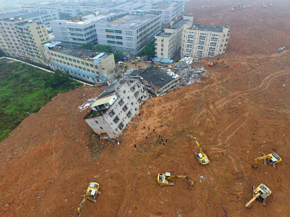 Rescuers work in Shenzhen after the 2015 landslide.