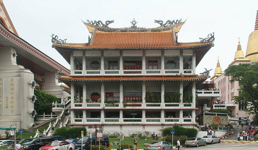 Kong Meng San Phor Kark See Monastery, the largest monastery in Singapore, has two dedicated columbaria.