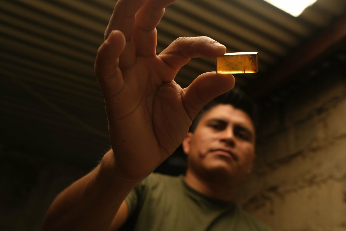 Simojovel amber artisan Ulise Rodriguez transforms raw pieces of amber into jewelry. Rodriguez worked briefly in the mines, but his younger brother's serious accident there convinced him to stay above ground instead.