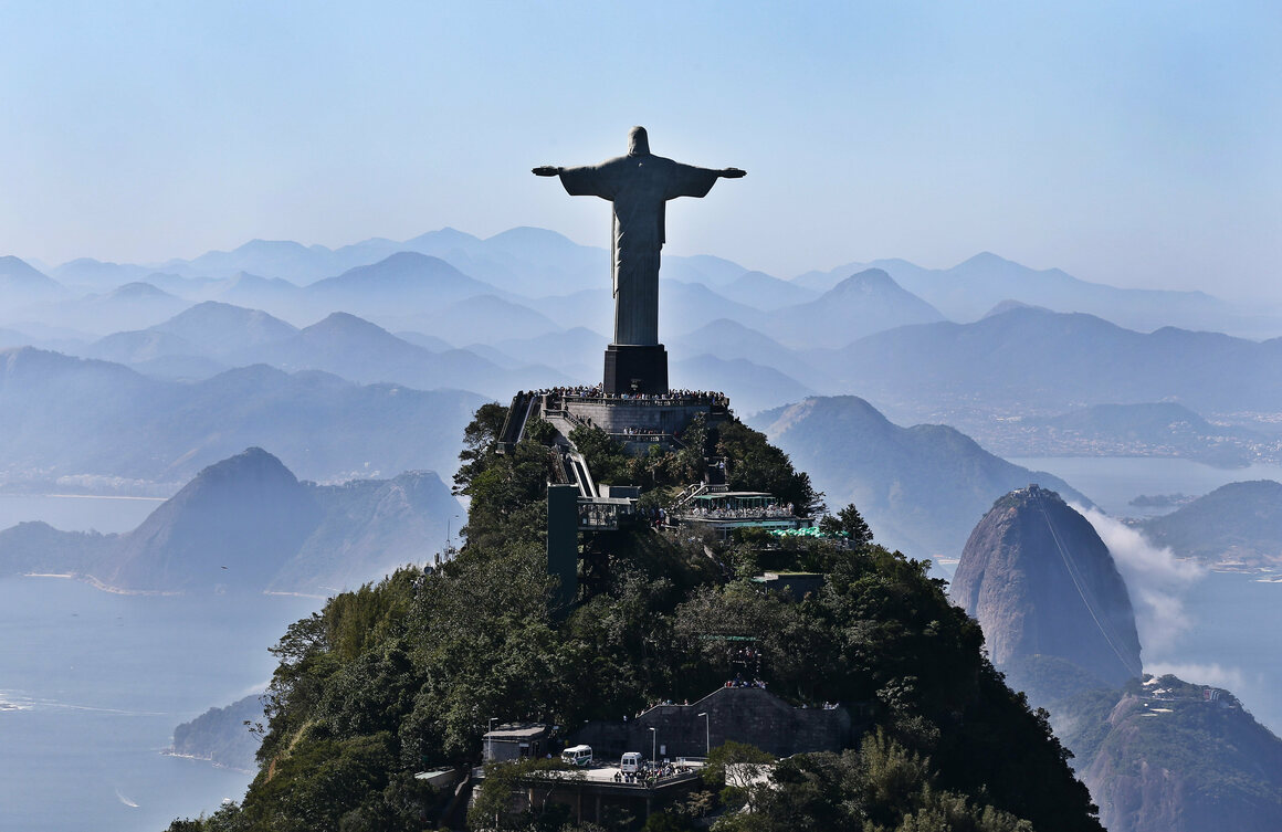 Christ the Redeemer was named one of the New Seven Wonders of the World.