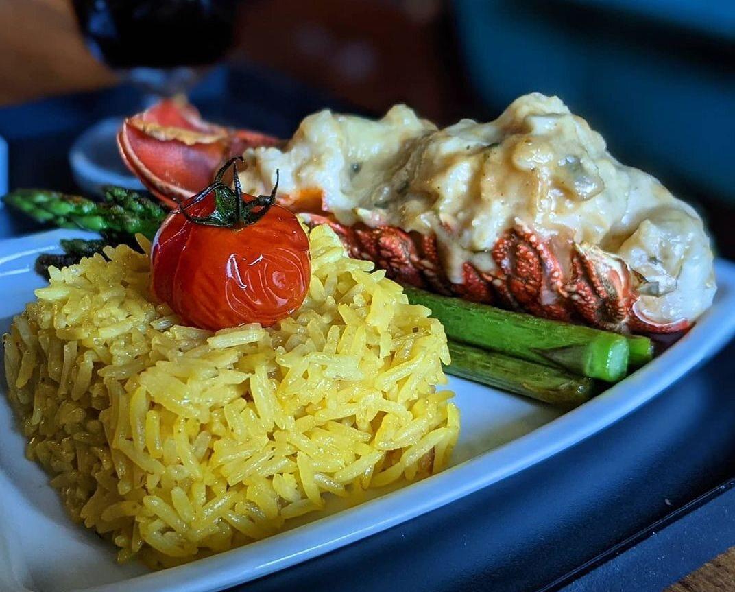 Lobster thermidor à la Singapore Airlines.