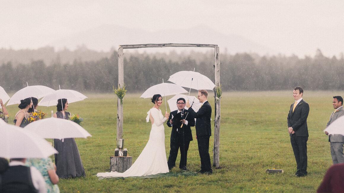 A sudden downpour didn't dampen spirits at this Arizona wedding.