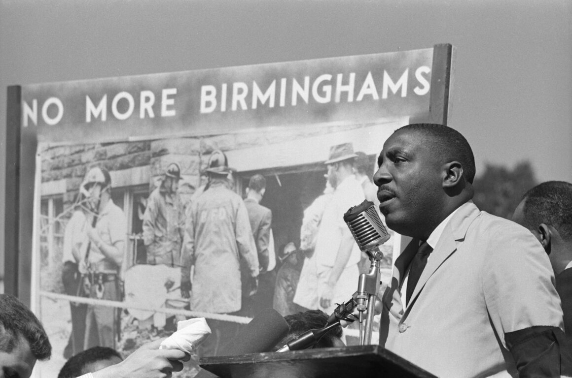 Gregory, addressing a crowd in Washington, DC, in 1963.