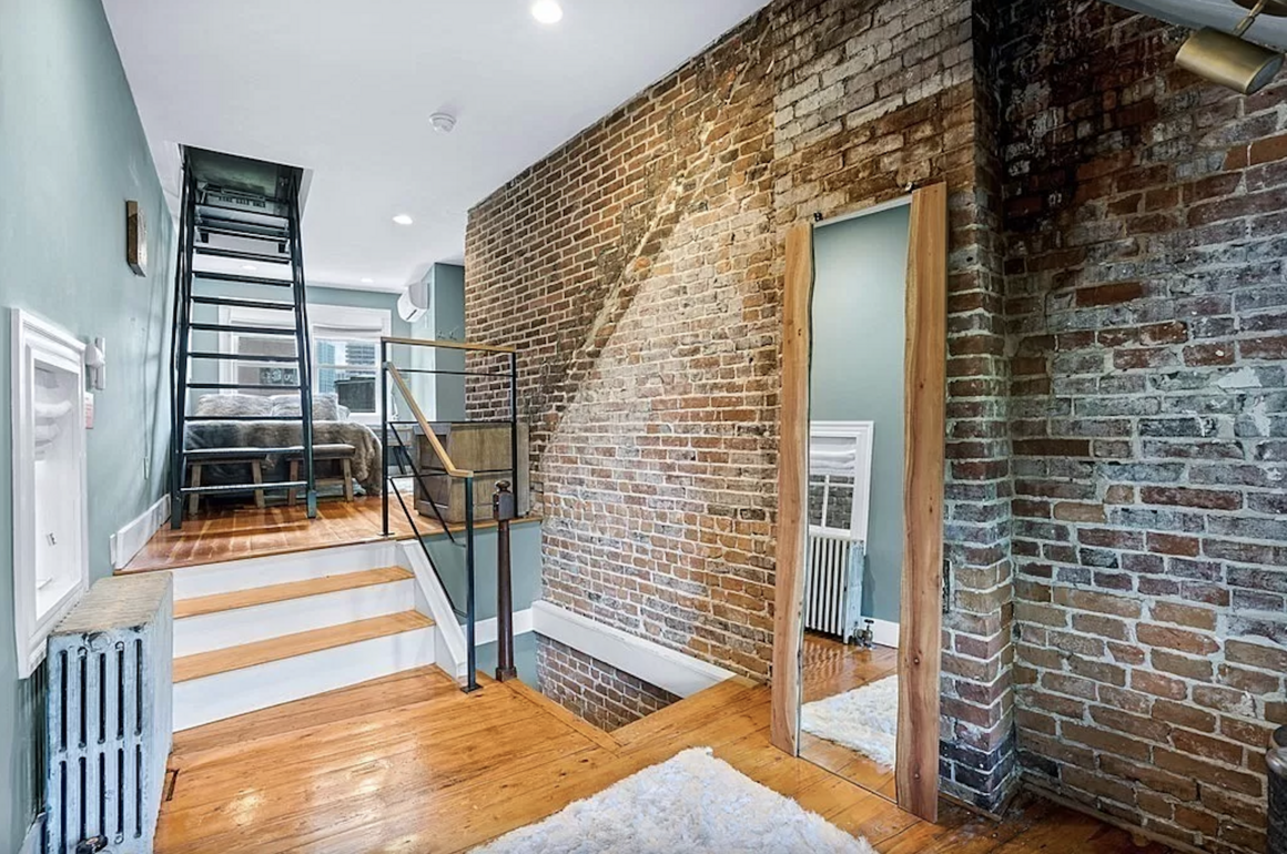 The stacked floor plan means that walking from one room to another often involves stairs.