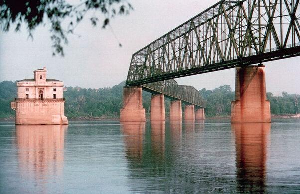 Chain of Rocks Bridge looking towards Illinois