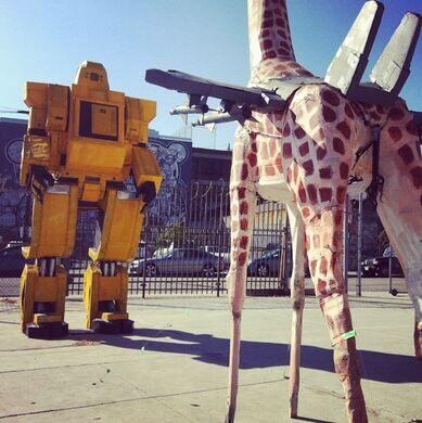 Robot vs Giraffe