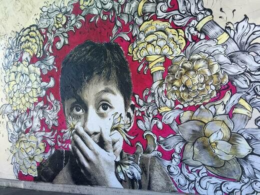 New mural by Liseth Amaya of the Lapiztola Stencil Collective
