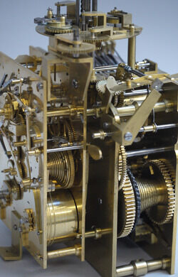 A complicated clock and automata movement