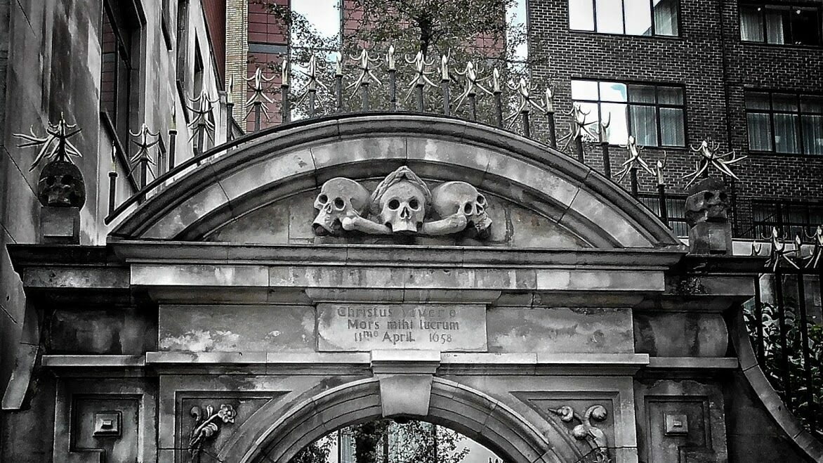 Gateway into St Olave's churchyard, dubbed 'St Ghastly Grim' by Charles Dickens.