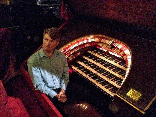 Glenn Tallar, organist at the Chicago Theatre