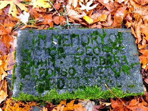 Comet Lodge cemetery headstone