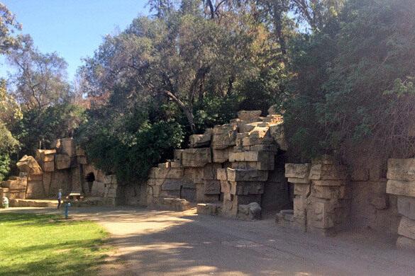 Abandoned Zoo Ruins - Atlas Obscura