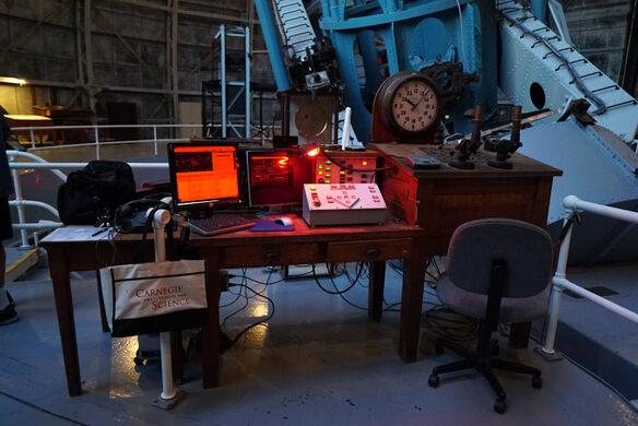 Telescope operator station.