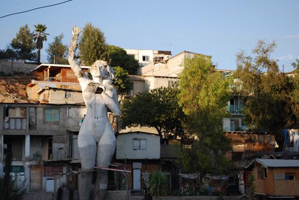 La Mona statue and artist's home, 2009.