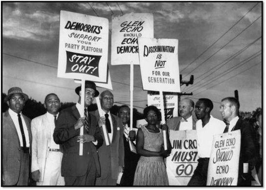Protesters on Glen Echo's segregation policy [including future Maryland State Senator Gwendolyn Greene Britt].