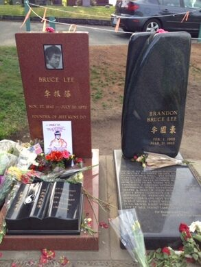 Graves of Bruce and Brandon Lee.