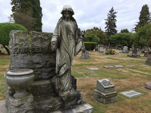 Statuary at Lake View Cemetery.