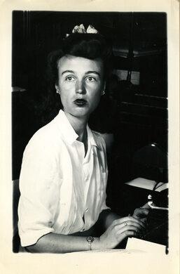 Lisa Ben at the Typewriter