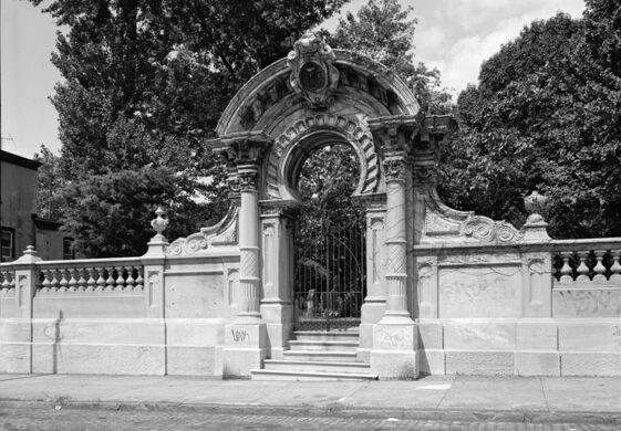 Hood Cemetery Gate