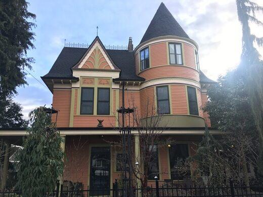 Gessner Mansion.