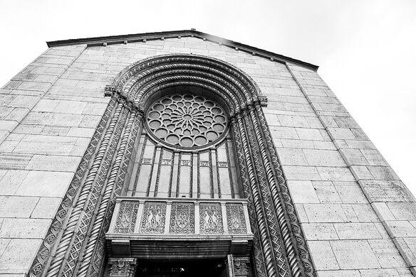 Mausoleum front facade.