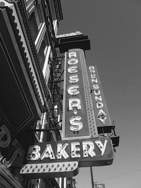 The iconic Roeser's sign.