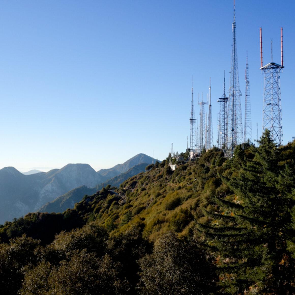 Radio Ridge antenna farm on the way to the observatory.